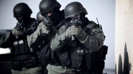 Təcili: xüsusi təyinatlılar Neftçala İcra Hakimiyyətinə basqın etdi