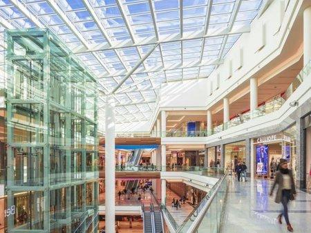 """İri ticarət mərkəzləri və """"Mall""""ların fəaliyyəti bərpa edilməyəcək - RƏSMİ"""