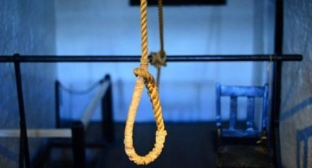 Azərbaycanda daha bir intihar - Özünü asdı